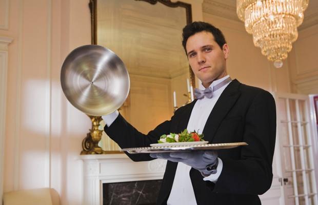 自宅に執事を呼んで、ホームパーティーは出来るのか?(写真: Stockbyte / thinkstock)