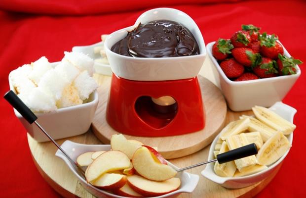 バレンタインはお家でチョコフォンデュ!おすすめ具材はコレ(写真: iStock / thinkstock)