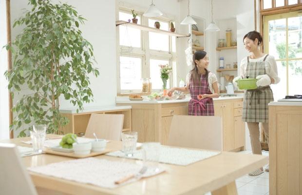 中古住宅の新潮流[1] 住み替えの手間削減!住みながら買い取り(写真:iStock / thinkstock)