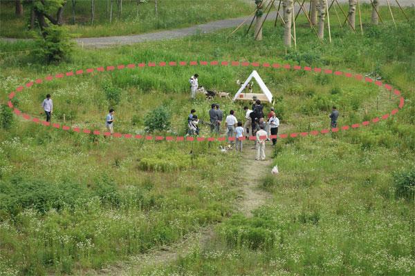 【画像1】円形サークル内が最初のミッション(写真撮影:金井直子)