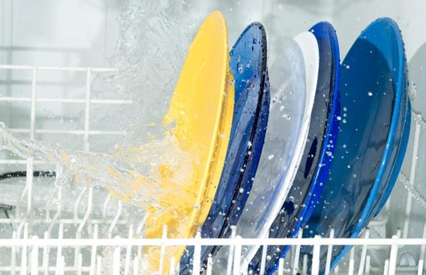 便利な食洗機。でも置く前に注意が必要?店員さんに聞いてみた(写真: iStock / thinkstock)