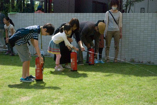 【画像3】そのほか消火器体験や(写真撮影:榎並紀行)