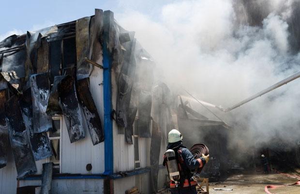 建築中の家が火災! その費用は誰が負担するの?(写真:iStock / thinkstock)