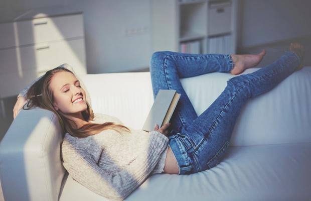 一人暮らしで「寂しさをまぎらわす方法」、実際どうしてる?(写真: iStock / thinkstock)