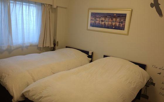 【画像8】我が家のリラックス空間(写真撮影:古堅純子) 寝室。我が家は寝る部屋と勉強する部屋を分けています。それぞれの個室はまだありません