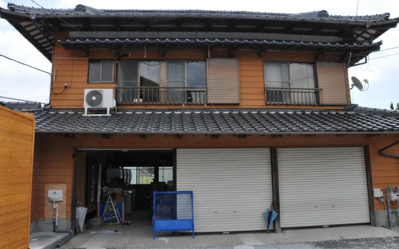 【画像3】離れはスタッフや監督、コーチの仕事スペース。以前は、1階はガレージとして使われていたという(写真撮影:嘉屋恭子)