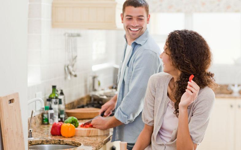 「弁当男子」が多数!男性が料理しやすいキッチンの選び方とは?