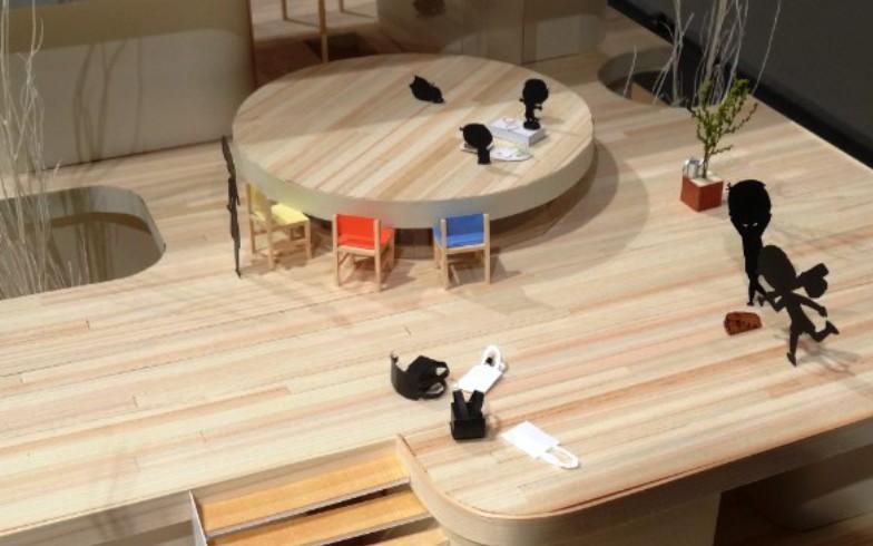 【画像4】中島やイクラちゃんが遊びにきてもひろびろ。ちゃぶ台(型の屋根)の上にいるタマも居心地がよさそう(写真撮影:SUUMOジャーナル編集部)