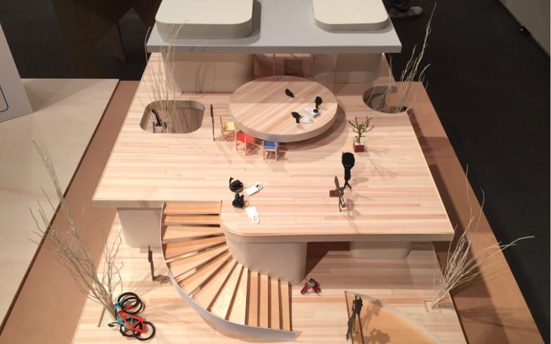 【画像6】1階の屋根兼2階の縁側には存在感のあるちゃぶ台(型の屋根)が。みんなが集う様子が目に浮かびます(写真撮影:SUUMOジャーナル編集部)