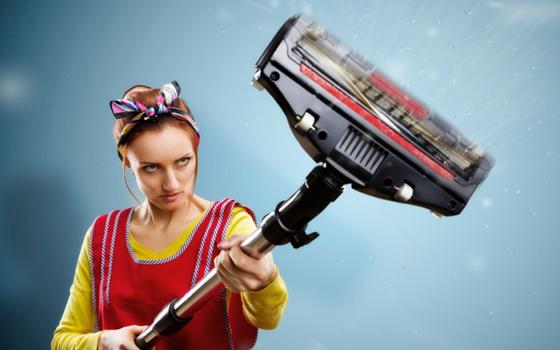 【画像1】「クモが出て来て思わず掃除機で吸い取っちゃった」という意見も…(写真: iStock / thinkstock)