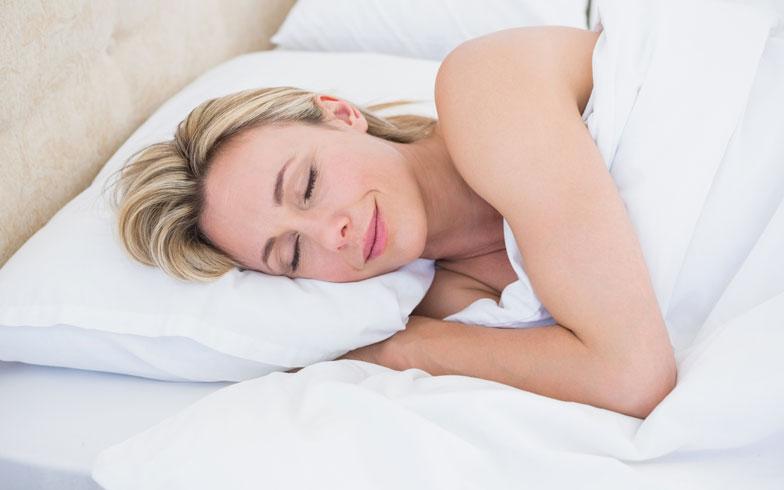 快眠セラピストが語る!今すぐできる熱帯夜に負けない睡眠法