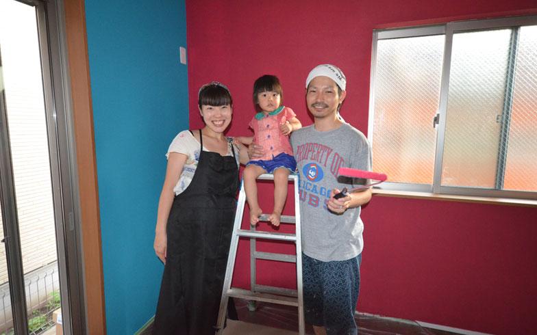 【画像9】2カ月後には、家族がもう一人増える予定の宮澤さんご一家。「実際にやってみてとても楽しかったし、じつは今後も自分たちで手を加えていきたい箇所があるんですよ」(写真撮影:西村巌)