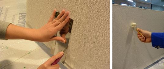 【画像5】定規をガイドにしてカッターで重なっている余分な壁紙をカット(写真左)つぎ目部分はローラーで押さえつけると左右の壁紙がぴったりとあう(写真右)(写真撮影:SUUMOジャーナル編集部)