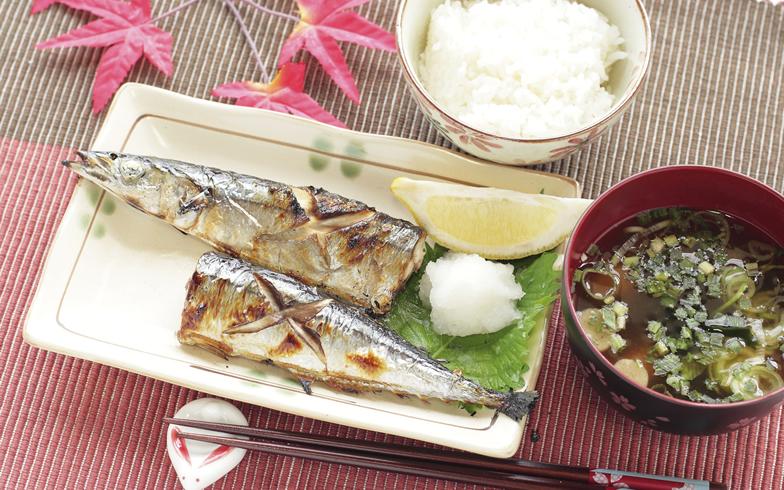 焼き魚をおいしく焼くには? おすすめ調理器具とコツ