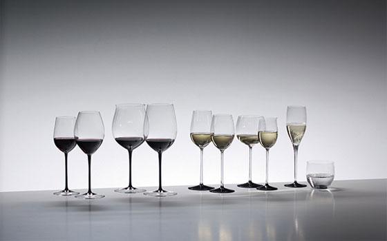 【画像2】ひと口にワイングラスと言っても種類は豊富。購入時に迷ったときは店員に相談しよう(画像提供:リーデル・ジャパン)