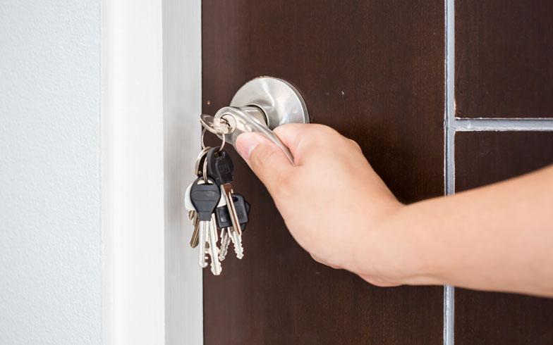 家の鍵、紛失経験者は約3割!失くしたらどうする?