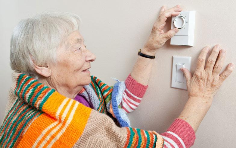 エアコンは「つけっ放し」がいい? 冬場の暖房効率をあげる方法