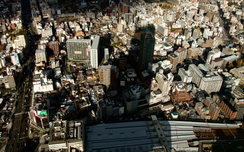 冬至は影に注目! 建物の高さや影を決める日影規制とは?