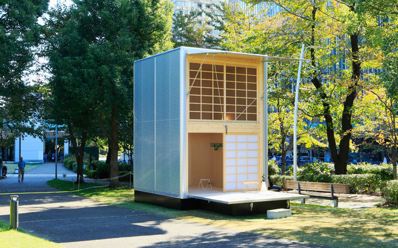 【画像1】コンスタンチン・グルチッチ氏のデザインによる「アルミの小屋」。日本の配送トラックにインスパイアされ、荷台の部品と断熱性に優れた構造を取り入れた(画像提供:無印良品)