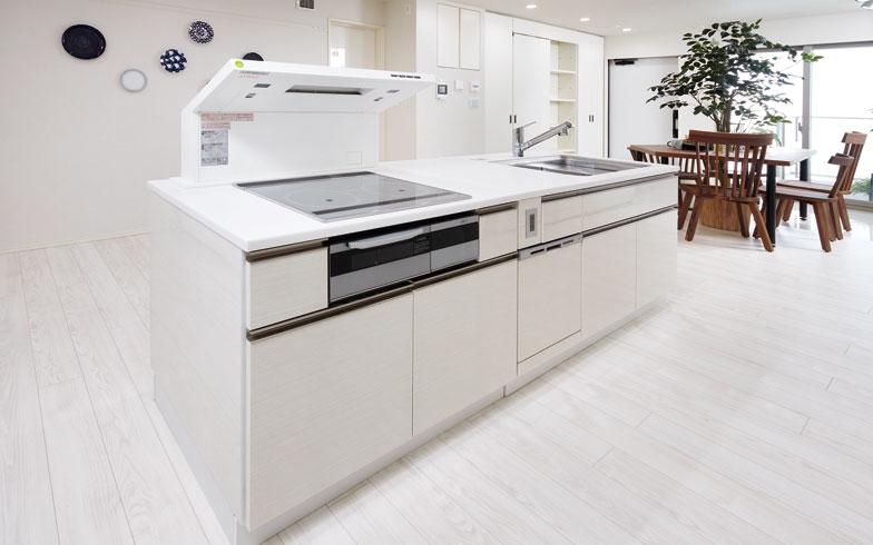 【画像3】循環式レンジフードとキッチン接続ポートで移動が可能になったImagie kitchen(画像提供:三井不動産レジデンシャル)