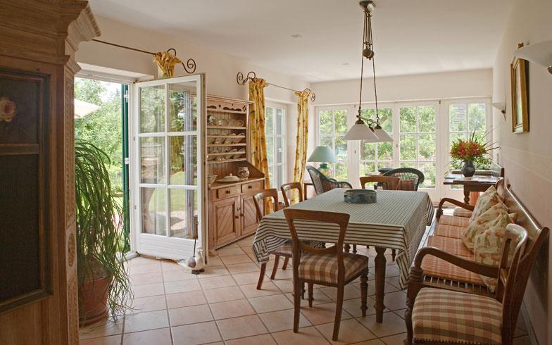 【画像5】装飾的な室内は、床や壁の色味で統一感のあるものに(写真: Zoonar/thinkStock)