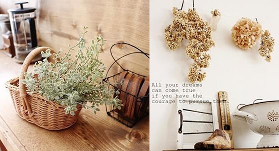 【画像2】左は、ハーブ系のフェイクグリーン「タイムピック」。毛羽立った葉っぱのモケモケ感がかわいい。右は、「ペッパーベリー」が壁に掛けられているお部屋。ドライフラワーや白壁との相性もバツグン!(画像提供:lovelyzakka)