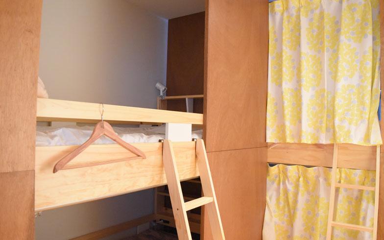 【画像3】ドミトリーは4人まで利用可能。ぐっすり眠れるスペースとなった(写真撮影/SUUMOジャーナル編集部)