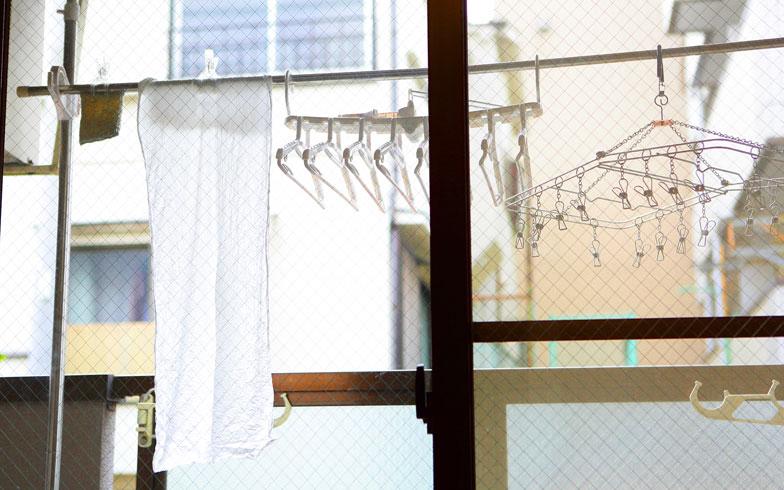 【画像6】手洗いや洗顔、入浴後には、乾くのが早い手ぬぐいを愛用。タオルは来客用のみ(写真:藤本和成)