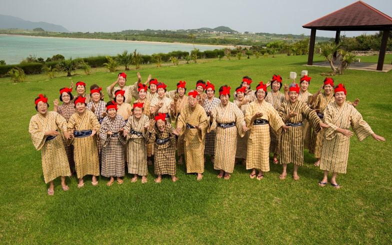 沖縄・小浜島のオバァに学ぶ、歳をとっても元気で暮らせる秘訣