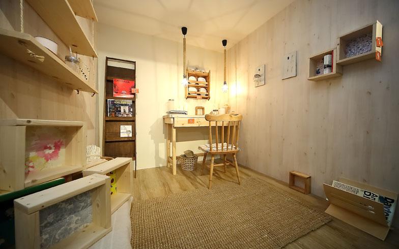 【画像1】中原工房のショールーム。空間のイメージがつかめるほか、壁紙や床材などのサンプルを見ることができる(撮影:飯田照明)