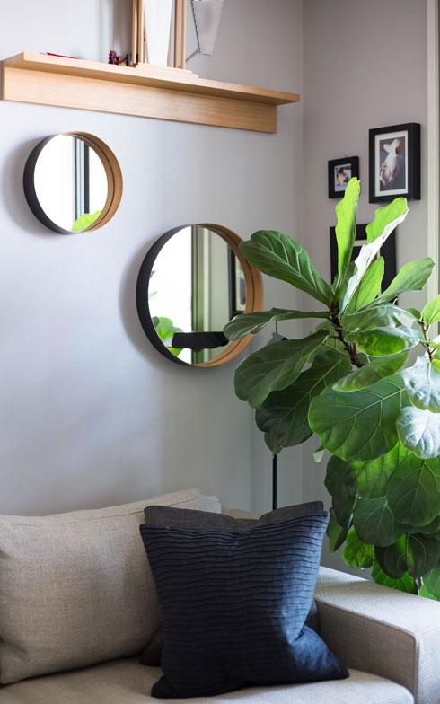 【画像9】窓近くに設置した鏡は、室内をより明るくしてくれます(写真:片山貴博)