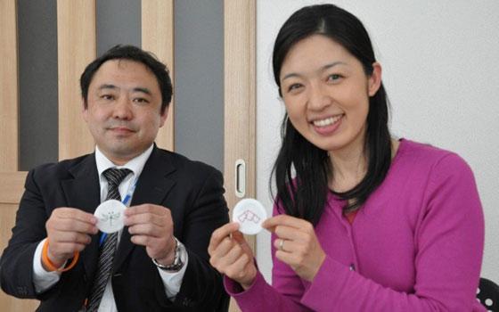 【画像3】ヤマト運輸の石原さん(左)とこまちぷらすの代表森祐美子さん(撮影:嘉屋恭子)