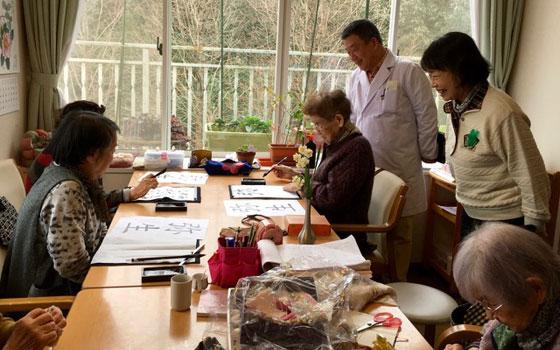 【画像2】横浜で傾聴ボランティアをしている蘇美さんは、北九州市のシニア層はパワーがあると良い印象を受けたそうだ(画像提供:佐藤三征)