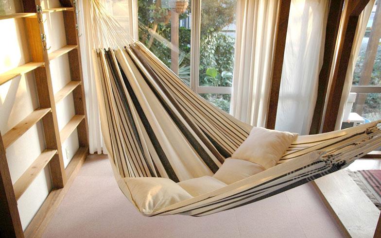 【画像1】ベッド部分が一枚布で、デザイン、サイズが豊富なのがブラジリアンハンモック(写真提供/ハンモックライフ)