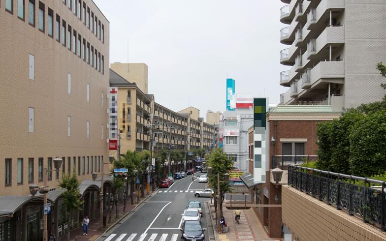 【画像8】JR芦屋駅周辺の街並み。現在でも落ち着いた景観を保っているが、今後は条例に沿って是正されていくものもあるだろう(写真撮影/井村幸治)