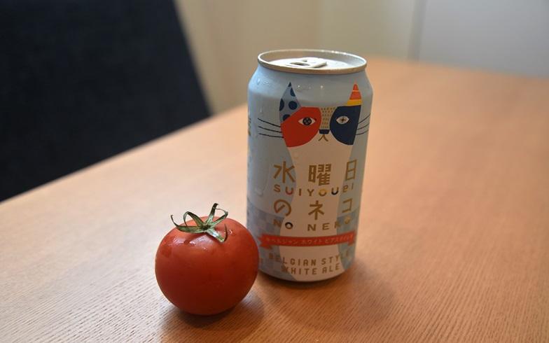 【画像6】トマトとビールがキンキンに冷えました(写真撮影/榎並紀行)