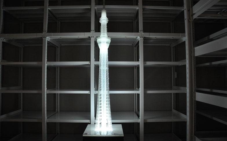 【画像10】ご存じ・東京スカイツリーの模型。1/30のスケールで。足元は三角だが、次第に円筒となっていく。本物よりも全貌が分かりやすく、じっと構造を観ているだけで楽しい(写真提供/嘉屋恭子)