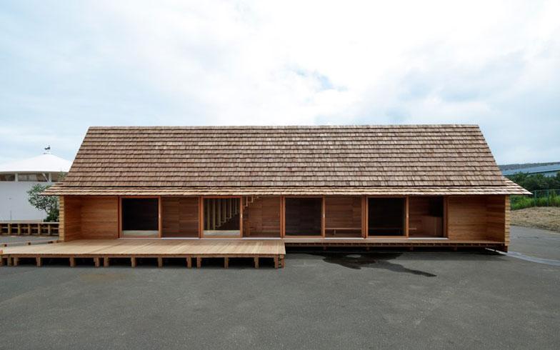 【画像3】1階が地元コミュニティの集会場的な居間。2階が宿泊ゾーン(写真提供/HOUSE VISION)