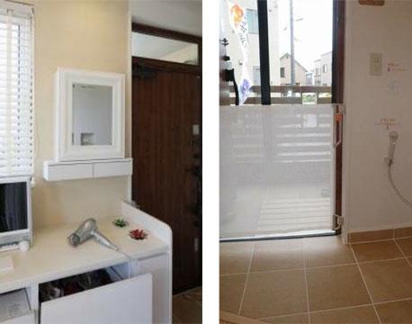 【画像4】玄関横には、犬にも使うドライヤーやビルトインのゴミ箱、鏡(これは飼い主用)などを備えた収納を設置(左)、愛犬が出て行かないようにロールゲートをすれば玄関扉を開け放つことも可能(右)(写真提供/池田千夏子さん)
