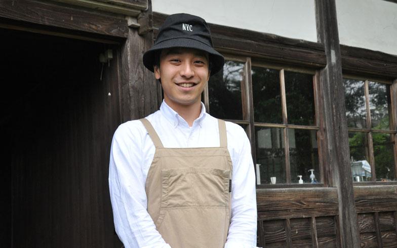 【画像1】地元秋田出身の半田さん。古民家で一冬を過ごし、「やっぱり寒かった」と述懐。春がくる喜びもひとしおだったそう(写真撮影/嘉屋恭子)