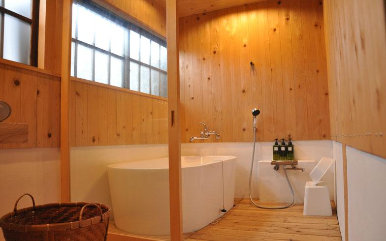 【画像3】シェアビレッジ開村にあたり、リフォームしたお風呂 (写真撮影/嘉屋恭子)