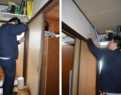 【画像9】各部屋の開口部のサイズを測って、壁量を計算。仕上げ材によって建物の加重が変わるので壁と天井の素材も全てチェックします(撮影/SUUMOジャーナル編集部)