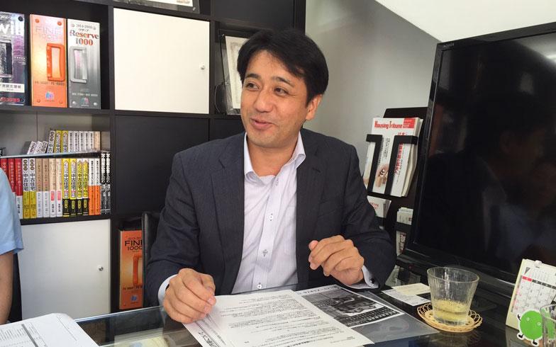 【画像2】東京・バイヤーズスタイルの高橋さん。東京では、大手仲介会社が無料で各種保証サービスを提供しているため、自社が提供するサービスの費用を売主に負担してもらうことは難しいが、住宅履歴情報の登録やインペクションなどを行い、その情報をしっかり説明することで、信頼が得やすいという(写真撮影/SUUMOジャーナル編集部)
