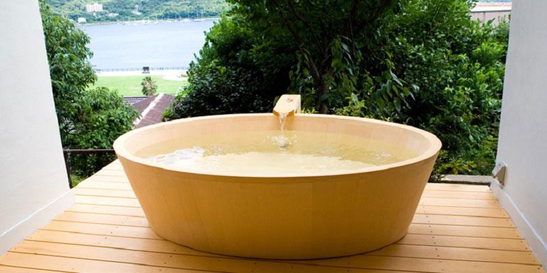 【画像1】こんなひのきのお風呂、我が家にもほしい…! (写真提供/檜創建)
