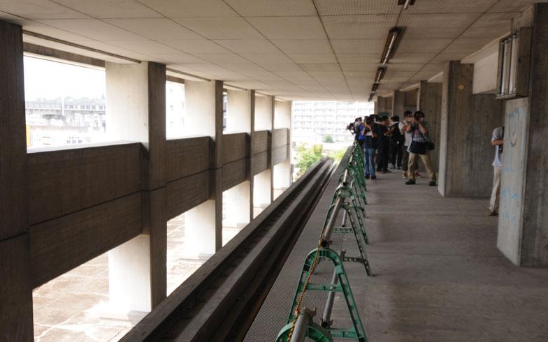 【画像3】ホームを反対側から。各メディアの取材も多数(写真撮影/小川裕夫)