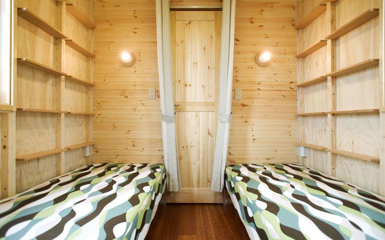 【画像5】寝室にはシングルサイズのベッドが2台。2段ベッドにして、片面に机を置けば2人用の子ども部屋にもできる(画像提供/アーキビジョン21)
