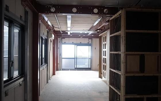 【画像3】オープンハウスではこの状態を見ることができた。すでに外壁塗装、屋根防水は現在のヘーベルハウス新築30年耐震耐用仕様に更新済み(画像提供/旭化成リフォーム株式会社)