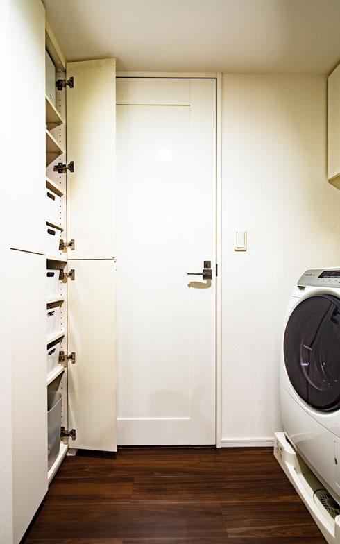 【画像13】肌着類の収納用ボックスは、リビング・ダイニングで使っているのと同じ「IKEA」の「VARIERA(ヴァリエラ)」。中身が透けて見えないから、夫や子どもの管理している衣類が乱雑に入っていても見過ごせます(写真撮影/片山貴博)