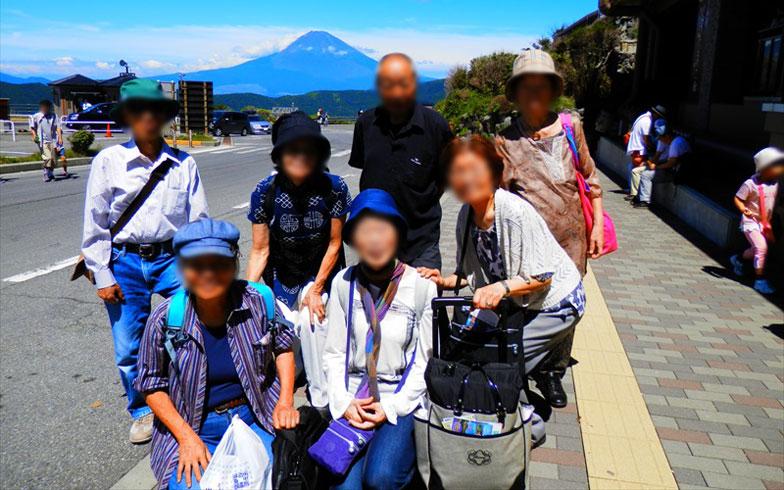【画像15】入居者で箱根や山梨に旅行したり、アクティブ!(写真提供/おでんせ中の島)
