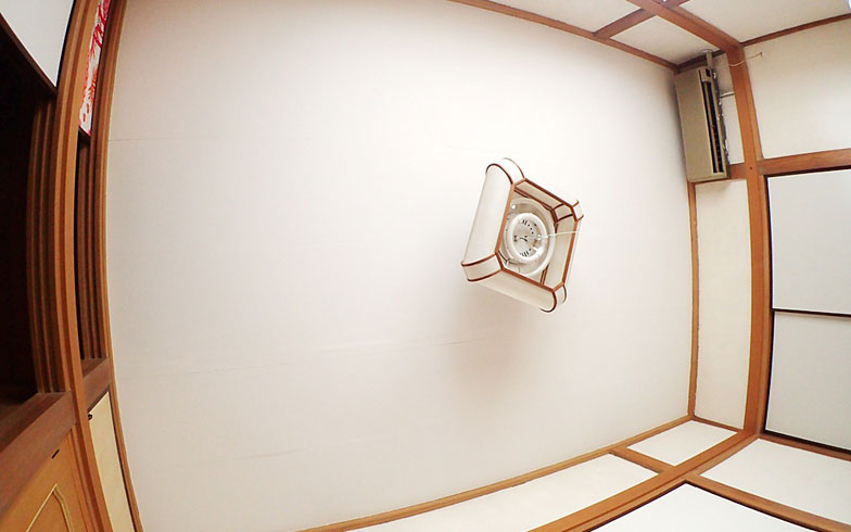 【画像10】自分で張ったとは思えないきれいな天井になりました(写真撮影/玉置豊)